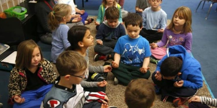 UK schools teach meditation and mindfulness to help kids deal with complex emotions